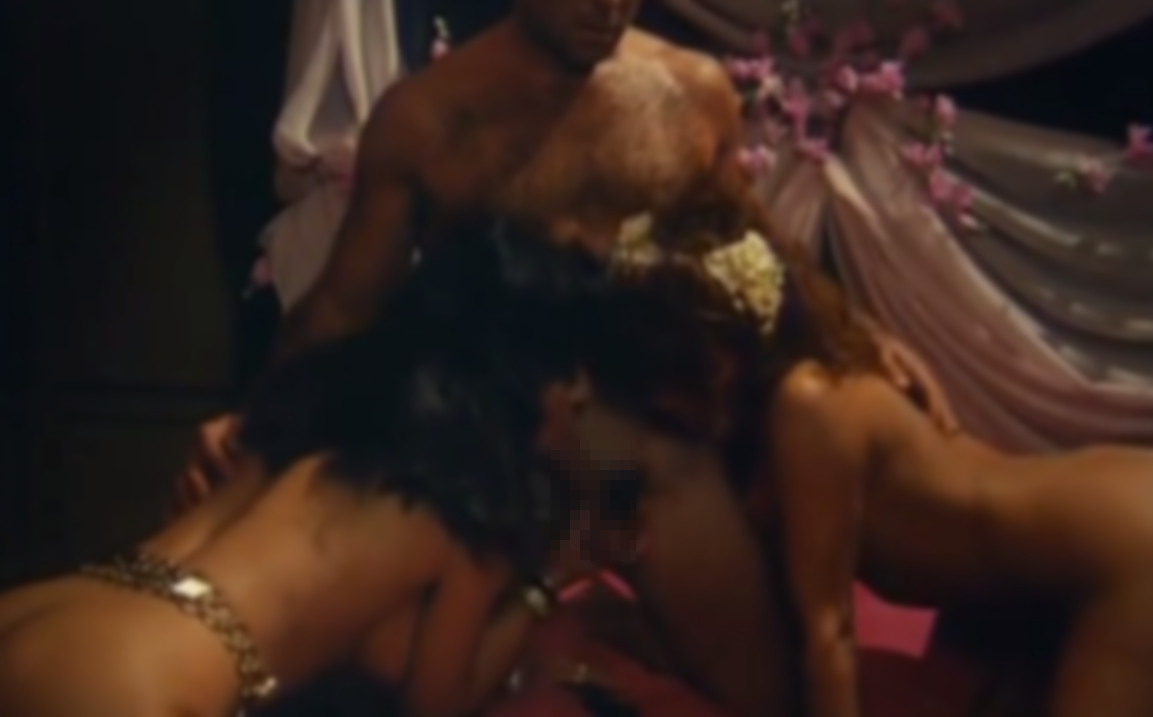 【無修正アラブ王のハレム】マンコとアナルに肉棒を受け入れ乱れる女たち