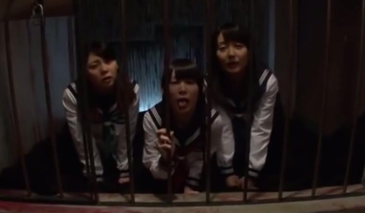 【性奴隷学園】口マンコでのご奉仕を義務付けられた3人の美少女セーラー服JK